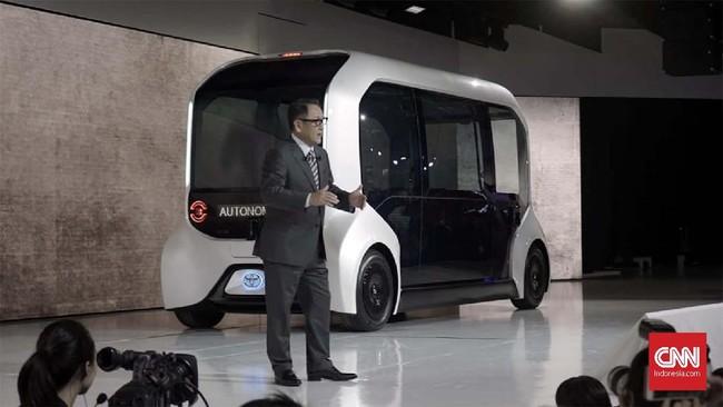 Toyota e-Palette dilengkapi sistem mengemudi otomatis yang dirancang menggunakan perangkat keras, lunak, dan sensor canggih seperti kamera dan LiDAR. Teknologi otonom bus kecil ini diklaim setara level 4.