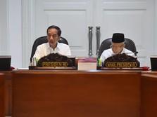 Jokowi Ngeluh: Permen Kita Terlalu Banyak, Banyak Sekali!