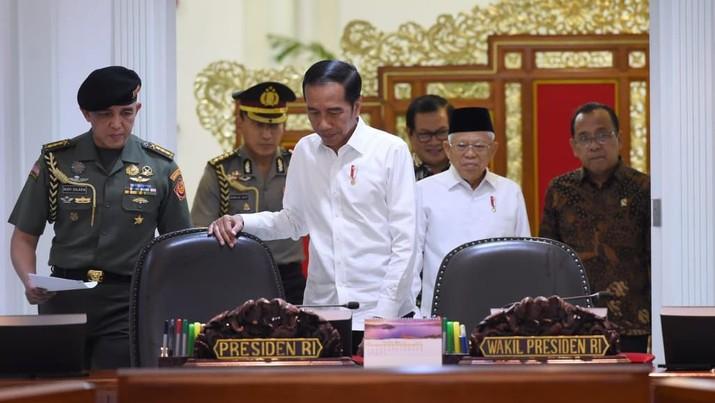 Presiden dan Wakil Presiden RI, Jokowi dan Ma'ruf Amin memimpin rapat terbatas (Biro Pers Sekretariat Presiden/Muchlis Jr)