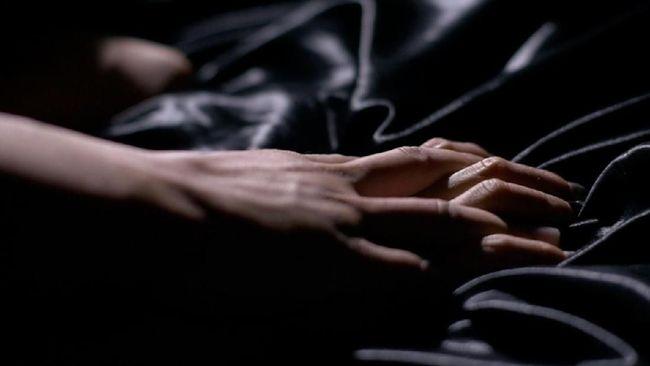 Agar Nonton Film Porno Buat Kehidupan Seks Makin 'Hot'