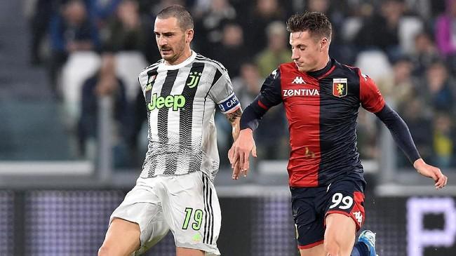 Di babak kedua dominasi Juventus berlanjut, tapi tim asuhan Maurizio Sarri itu kembali kesulitan mencetak gol ke gawang Genoa. (Alessandro Di Marco/ANSA via AP)