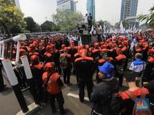 Seminggu Jadi Menaker, Ida Fauziyah 'Diserbu' Ratusan Buruh