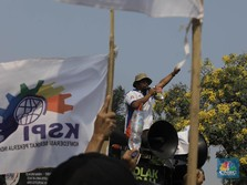 Jokowi Mau Rombak Sistem Upah, Kerja Dibayar Per Jam Mau?