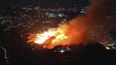 Kastil Shuri yang merupakan situs warisan budaya UNESCO di Okinawa, Pulau Naha, Jepang dilalap api pada Kamis (31/10) pagi waktu setempat.(Okinawa Times/Kyodo News via AP)