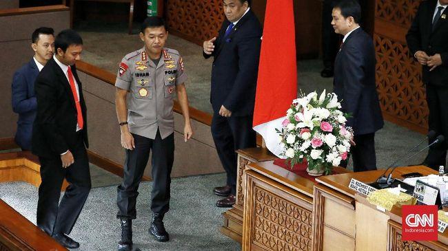 DPR Minta Polisi Masukkan Seragam dan Tak Minder Perut Buncit