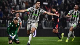 FOTO: Juventus Menang Dramatis Pakai Kostum Baru