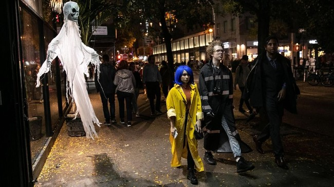 Halloween, yang diambil dari kalimat 'All Hallows' Eve', dirayakan sebelum All Saints' Day pada 1 November. (Getty Images/AFP/Jeenah Moon)