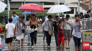 Hari Ini, Jakarta Waspada Hujan Disertai Angin Kencang