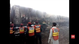 VIDEO: Korban Tewas Kebakaran Kereta di Pakistan Bertambah