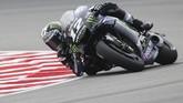 Maverick Vinales dari Yamaha sempat berada di posisi tercepat pada kualifikasi . (AP Photo/Vincent Phoon)