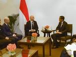 Di Balik Jersey Bernomor 21 dari FIFA untuk Jokowi