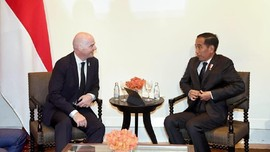Jokowi Bertemu Presiden FIFA Bahas Piala Dunia U-20 2021
