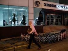 Anarkis! Pendemo Hong Kong Serang Kantor Berita Xinhua