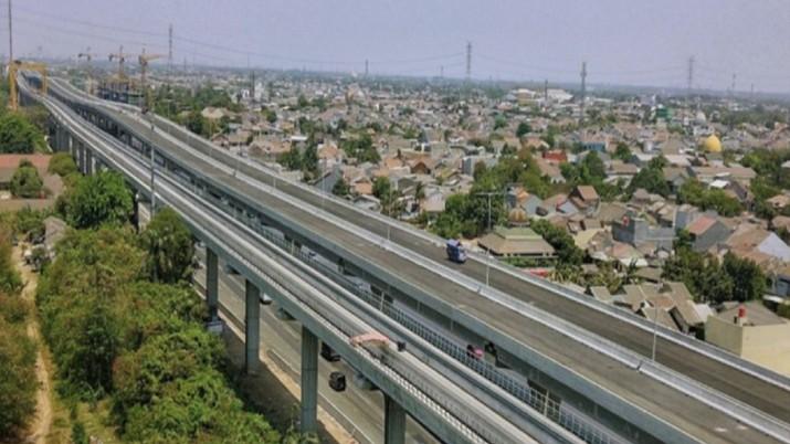 Tol layang Jakarta-Cikampek ditargetkan beroperasi pekan kedua Desember 2019.