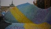 Tembok Berlin runtuh sekitar 30 tahun lalu. Di hari ini runtuhnya tembok Berlin dirayakan di Jerman.(AP Photo/Markus Schreiber)