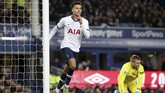 Tottenham Hotspur menahan imbang tuan rumah Everton 1-1. (Nick Potts/PA via AP)