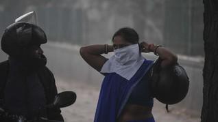 Polusi Makin Tebal, Warga India Alami 'Mata Terbakar'