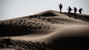 FOTO: Para Wanita Pelintas Gurun Sahara