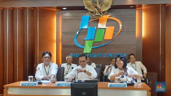 Pertumbuhan ekonomi Indonesia pada triwulan III-2019 yang mencapai 5,02% menimbulkan banyak spekulasi dari berbagai kalangan