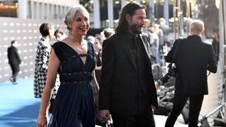 Alexandra Grant, Rebut Hati Keanu Reeves Setelah 20 Tahun