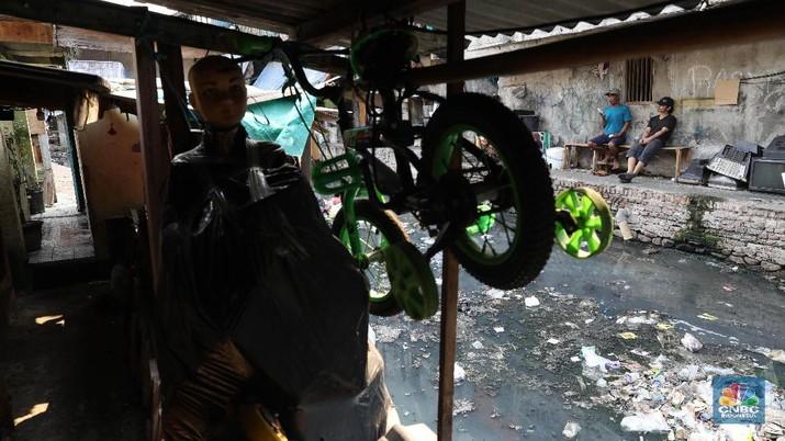 Melihat potret pemukiman Jati Bunder Kebon Melati yang kumuh.