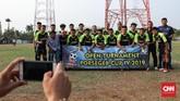 Tim Sparta berfoto sebelum pertandingan Sparta VS Putra Betawi pada laga Porsegeb Cup IV di Stadion Mini Gebyuran, Joglo, Jakarta Barat. (CNNIndonesia/Safir Makki)