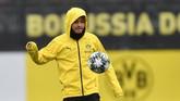 Pemain sayap Jadon Sancho menjadi tulang punggung Dortmund. Penampilan Sancho yang cemerlang membuat banyak klub mengincar mantan pemain Manchester City ini. (AP Photo/Martin Meissner)