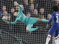 Netizen Ejek Gol Bunuh Diri Arrizabalaga di Liga Champions