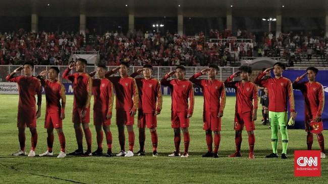 Pertandingan antara timnas Indonesia U-19 melawan timnas Timor Leste U-19 pada babak kualifikasi grup K Piala Asia U-19 2020 di Stadion Madya Gelora Bung Karno, Senayan, Jakarta, Rabu, 6 November 2019. Timnas Indonesia U-19 menang dengan skor 3-1. (CNN Indonesia/Bisma Septalisma)