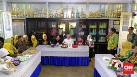 100 Hari Pertama, 'Mas Menteri Nadiem' Klaim Akan Jadi Murid
