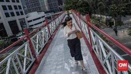 Chatting di Jalan Lebih Berbahaya Dibanding 'Teleponan'
