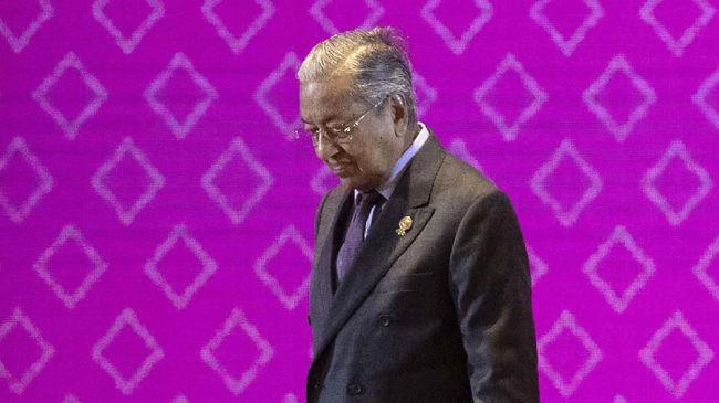 Mahathir Belum Siap Serahkan Kekuasaan ke Anwar Ibrahim