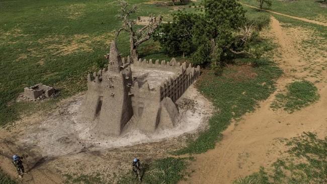 Dahulu, Mopti dikenal dengan sebutan Venesia Mali yang ramai dikunjungi turis asing.(Photo by Marco LONGARI / AFP)