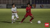 Fajar Fathur Rachman mencetak gol kedua pada menit ke-77 setelah menerima umpan matang dari Muhammad Supriadi. (CNN Indonesia/Bisma Septalisma)