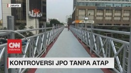 VIDEO: Sejumlah Warga Keluhkan JPO Tanpa Atap