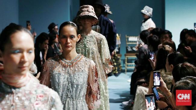 Biyan menjadikan Bloomsbury sebagai inspirasi terbesar untuk koleksi S/S 2020 lini busana Studio 133. (CNN Indonesia/Andry Novelino)