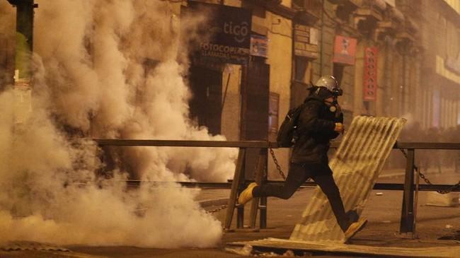 Morales menuntut kepolisian membawa pelaku kekerasan terhadap Arce dibawa ke pengadilan.(AP Photo/Juan Karita)