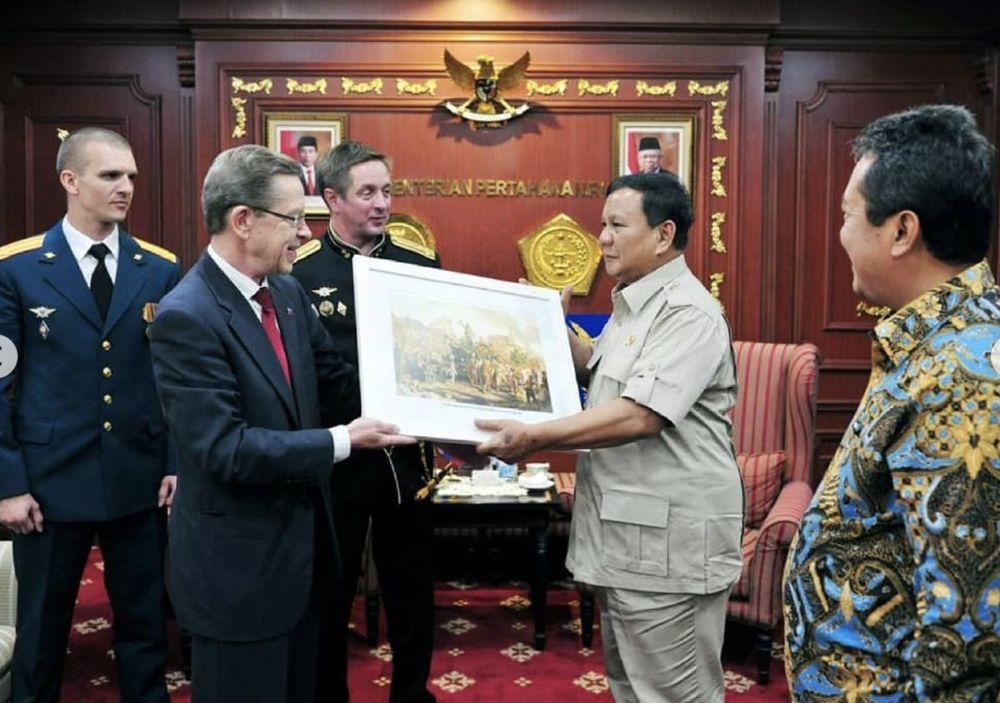 Selain itu, Prabowo juga menerima Dubes Rusia untuk ASEAN Alexander A. Ivanov, Kamis (7/11/2019) (Screenshot Instagram @kemhanri)