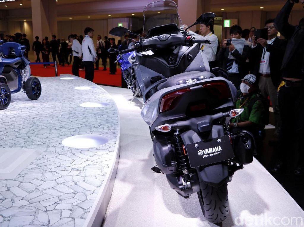 Tricity akan diproduksi menggunakan mesin XMAX, tak menutup kemungkinan model ini juga akan diproduksi di Indonesia. Sebab diketahui, Yamaha Indonesia Motor Manufacturing (YIMM) menjadi basis untuk produksi global Yamaha XMAX. Ditambah, pada 2016 lalu YIMM juga pernah meluncurkan Tricity 155 di ajang Indonesia Motorcycle.