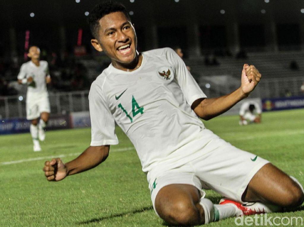Dalam pertandingan Kualifikasi Piala Asia U-19 2020 di Stadion Madya, Jumat (8/11/2019), Indonesia mencetak dua gol di babak pertama via Amiruddin Bagas Kaffa Arrizqi dan Muhammad Fajar Fathur Rachman.
