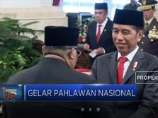 Jokowi Anugerahi 6 Tokoh Menjadi Pahlawan Nasional