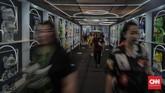 Urban Sneaker Society (USS) kembali digelar dan memanjakan para pencintasneakerdi District 8 SCBD, Jakarta, pada 8-10 November 2019.(CNN Indonesia/Bisma Septalisma)
