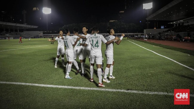 Timnas Indonesia U-19 hanya butuh hasil imbang melawan Korea Utara di laga terakhir untuk menggenggam tiket lolos ke putaran final Piala Asia U-19 2020. (CNN Indonesia/Bisma Septalisma)