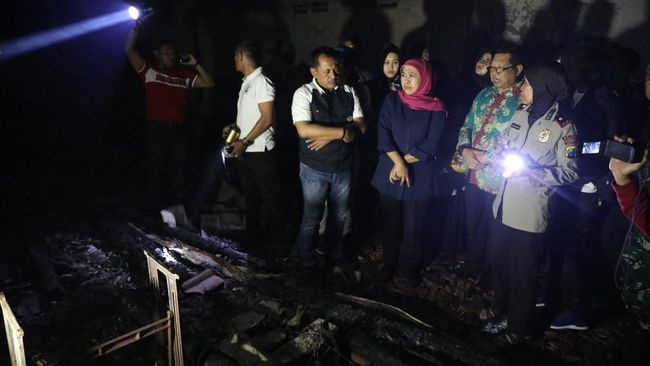 Pasar Ngunut Terbakar, Khofifah Minta Pemkab Reaksi Cepat