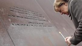 Merkel Singgung Demokrasi di Momen Perayaan Tembok Berlin