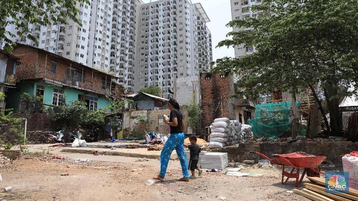 Tingkat kemiskinan dan ketimpangan dalam negeri memang turun. Namun belum sesuai dengan target.
