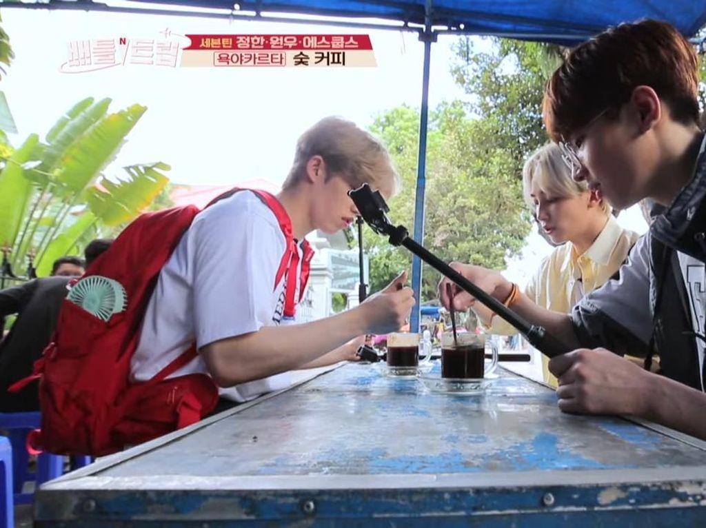 Intip Momen Seleb Korea Saat Cicip Nasi Padang hingga Kopi Joss