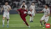 Di awal babak kedua pelatih Timnas Indonesia U-19 Fakhri Husaini memasukkan penyerang Mochammad Supriadi yang membuat serangan Garuda Nusantara semakin agresif. (CNN Indonesia/Bisma Septalisma)
