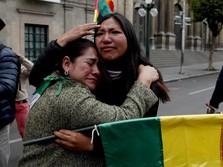 Presiden Morales Mundur, Warga Bolivia Rayakan Kemenangan