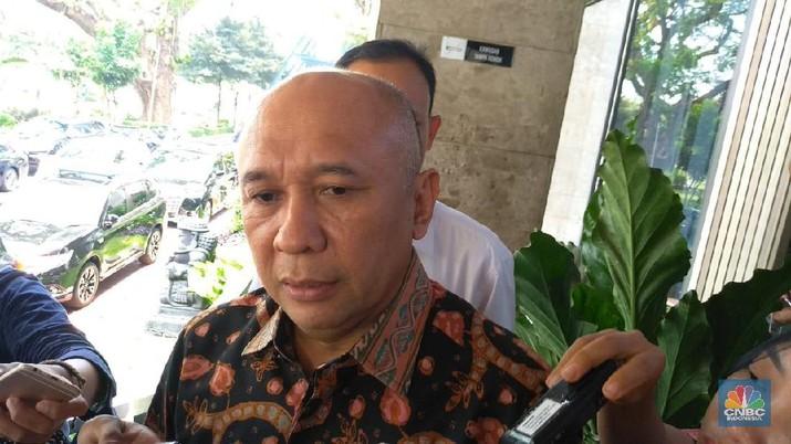 Menteri Koperasi dan UMKM Teten Masduki menyebut saat Indonesia menapai era industri 4.0 kita masih urusin cangkul.